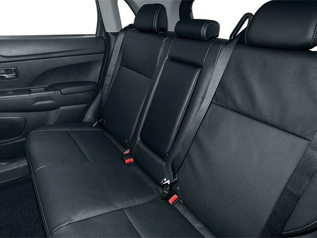 Mitsubishi Motor  2013 Mitsubishi Outlander Sport